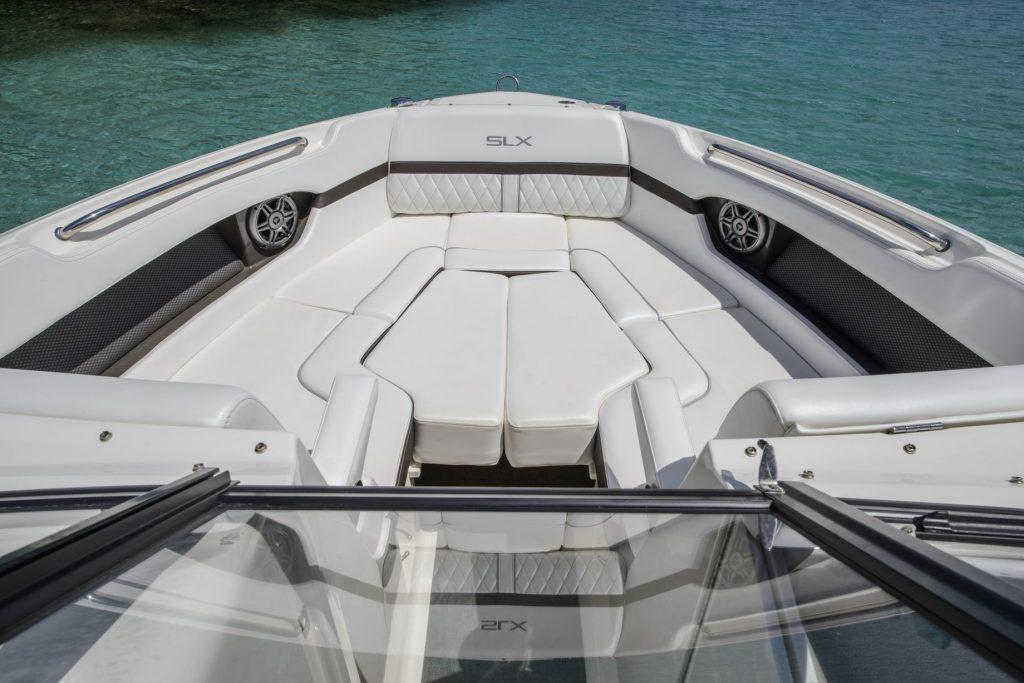 Sea Ray 250 SLX proa