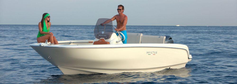 Invictus Yacht 190 FX-2