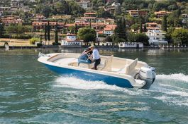 barcos-Invictus-Yacht-200-FX(1)