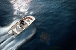 barcos-Invictus-Yacht-240-FX(1)
