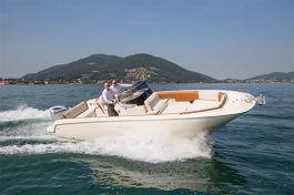 barcos-Invictus-Yacht-270-FX(1)
