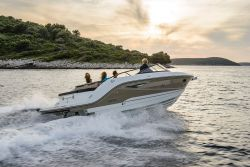 Sea Ray Sun Sport Series