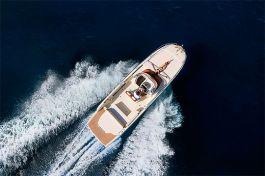 barcos-Invictus-Yacht-280-CX(2)